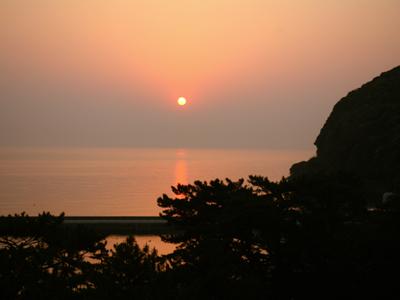 紀淡海峡に昇る日の出