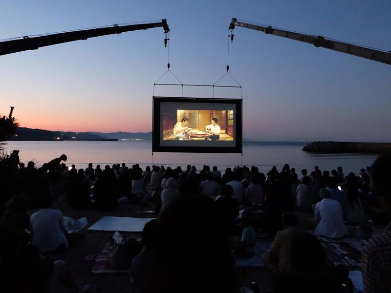 """「うみぞら映画祭2018」 ~波音をBGMに海辺で愉しむ""""海の映画館"""""""